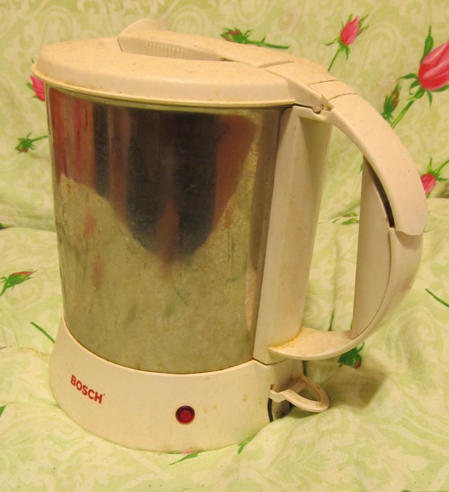Трещина на ручке чайника BOSCH TWK1201N