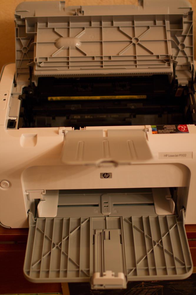 HP LaserJet Pro P1102 открытая крышка