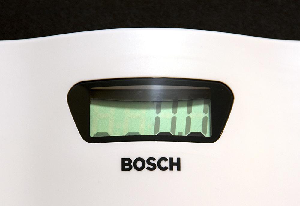Напольные весы Bosch PPW2000 - начало измерения