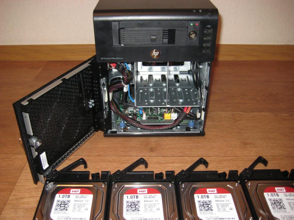 Сервер с установленным mobil rack и готовыми для установки WD RED 10EFRX