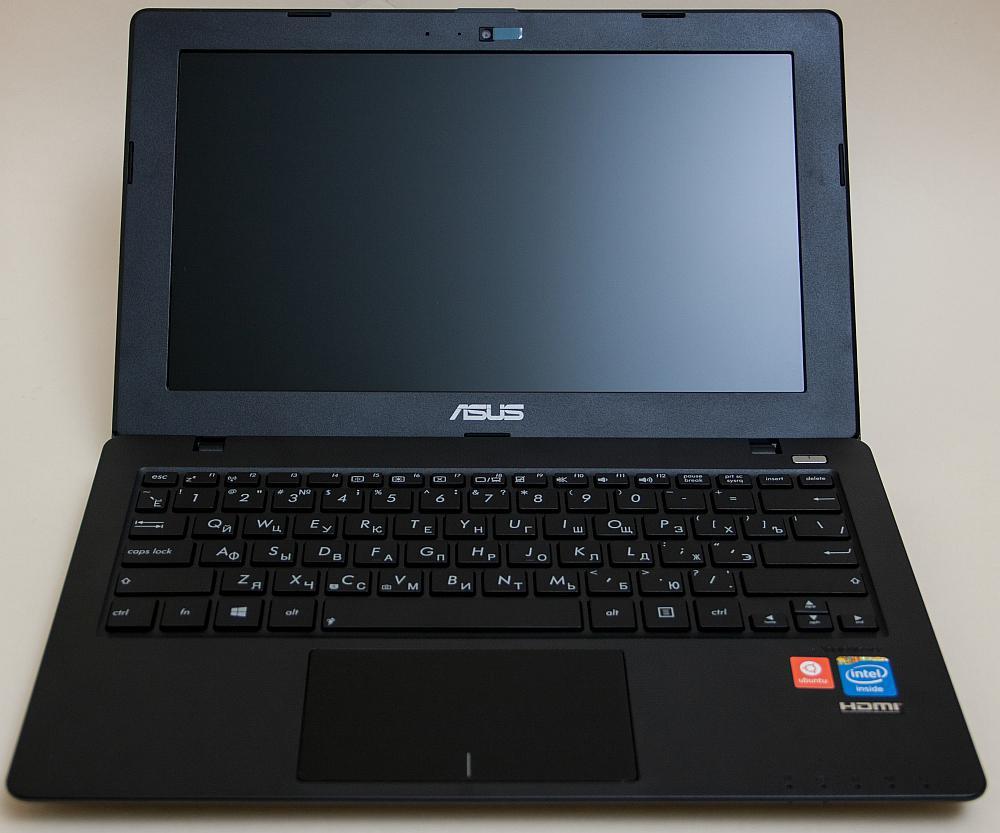 ASUS X200CA - opened