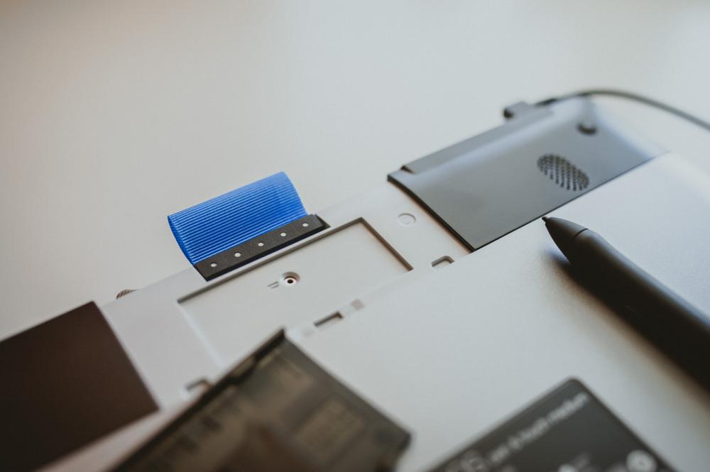Планшет WACOM Intuos Pen&Touch_средний отсек
