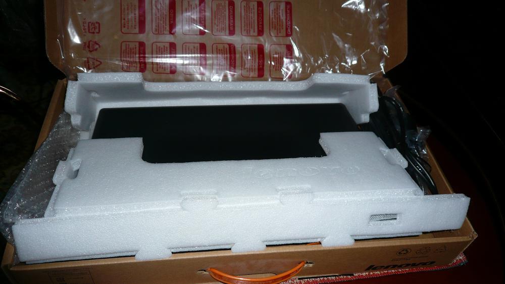 внутренний мир коробки - как видим, хорошая защита для транспортировки