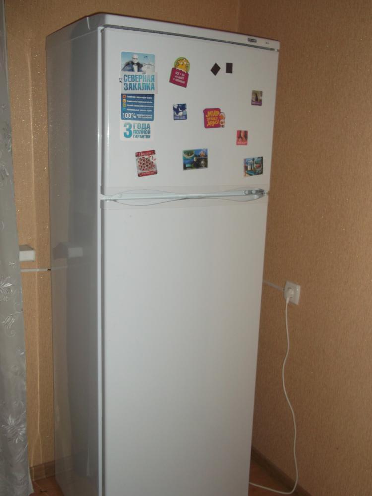 Вот внешний вид уже установленного холодильника.