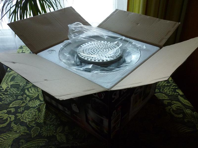 открытая коробка от аэрогриля