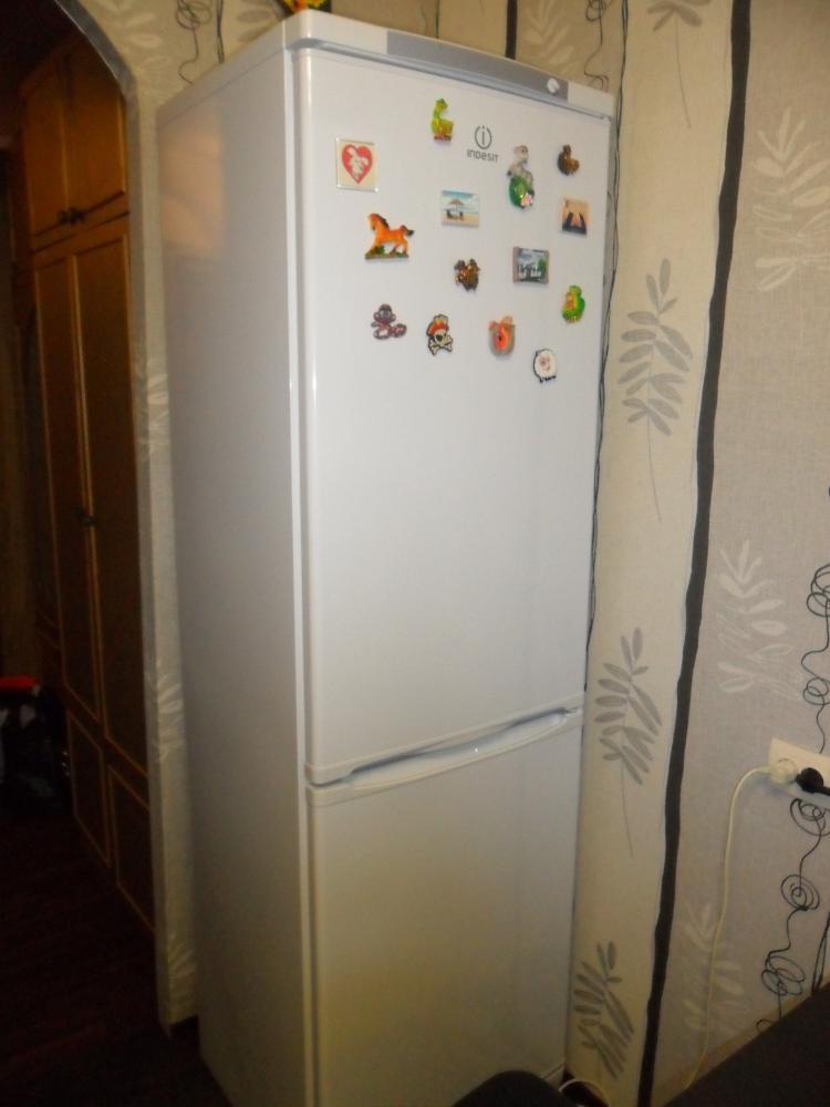 Сам холодильник