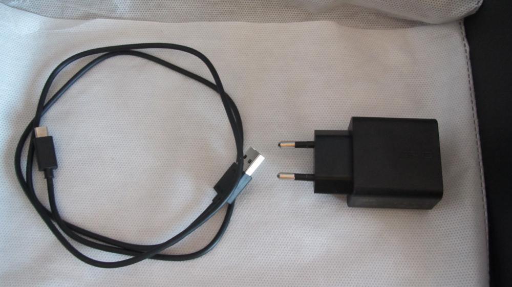 Чехол, ДАТА-кабель и зарядник