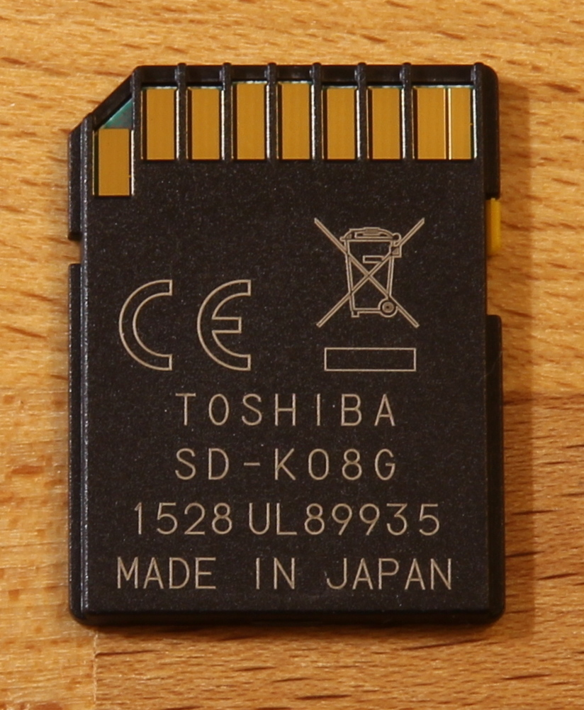 SD-T008UHS1 card back
