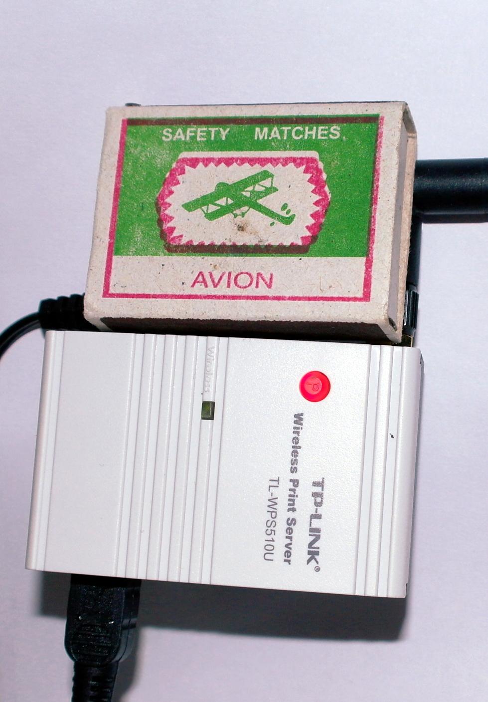 TL-WPS510U и коробок спичек