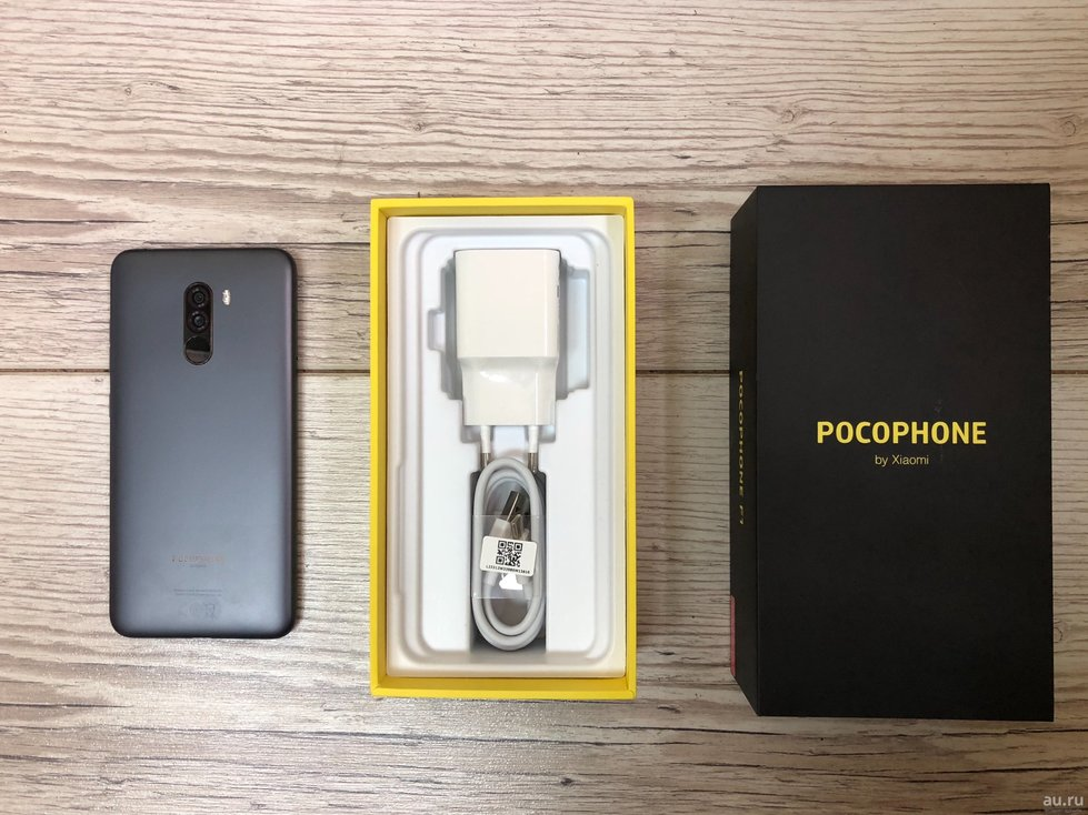 smartfon-xiaomi-pocophone-f1---6-64gb-6-64-gb-black-2-12391622.jpg